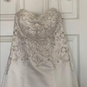 Wedding dress - brand new!